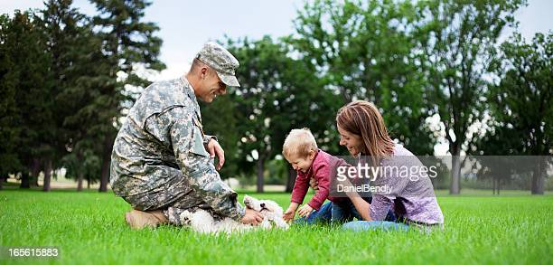 Ejército familia serie: Real American Soldier con esposa & Son