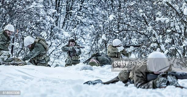 De la Seconde Guerre mondiale, NOUS Armée de terre National Infanterie Lutte contre la Firefight morts et de blessés Triage