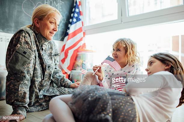 Army Mom Reunites With Her Kids.