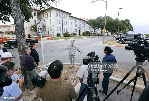 S Army MSG Frank Minnie announces the ground rules to the media covering the Article 32 preliminary hearing in the Bowe Bergdahl desertion case at...