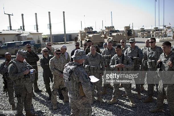Army officer goes through a mission briefing for US and Polish Army soldiers before they head to the Ghazni provincial jail for a security assessment...