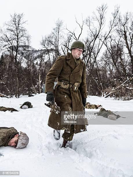 Soldat de l'armée américaine de la Seconde Guerre mondiale, laissant embuscade scène de la mort