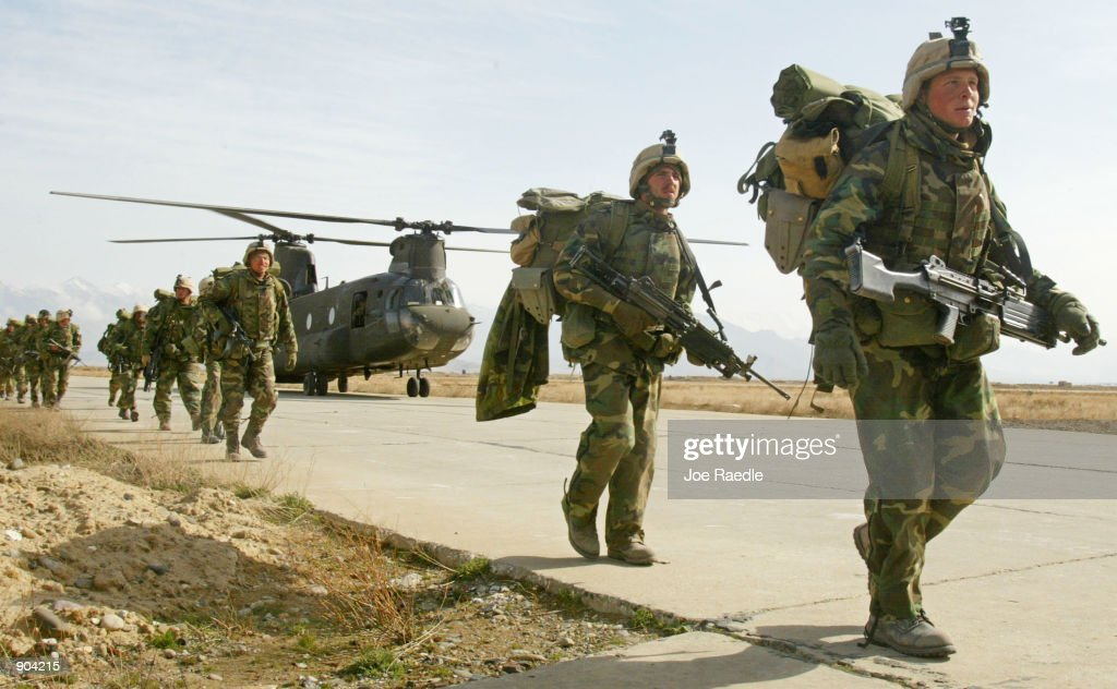 U.S. Soldiers Return to Bagram Airbase After Combat : ニュース写真