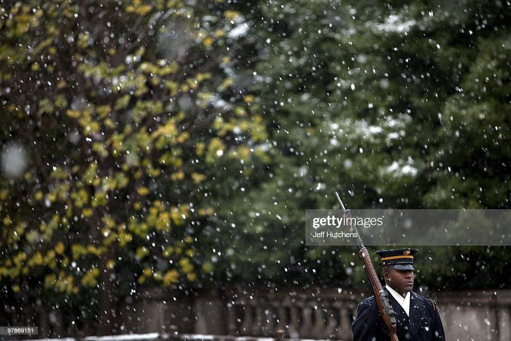 VA: Tomb of the Unknown Soldier : News Photo