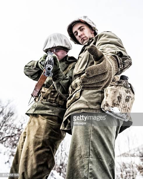 Soldats de l'armée américaine de la Seconde Guerre mondiale, avec son ennemi Laissez-vous aller ou Die choix