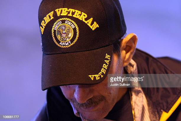 S Army veteran Sean Balenti looks through donated clothing during a Veterans Connect event at the VA Downtown Clinic on November 10 2010 in San...