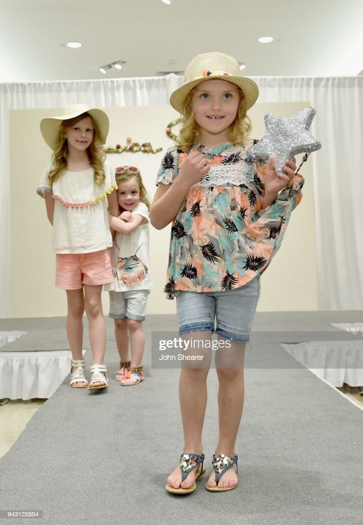 Army Wives And Kids Model Jessica Simpson S Clothing Line For A