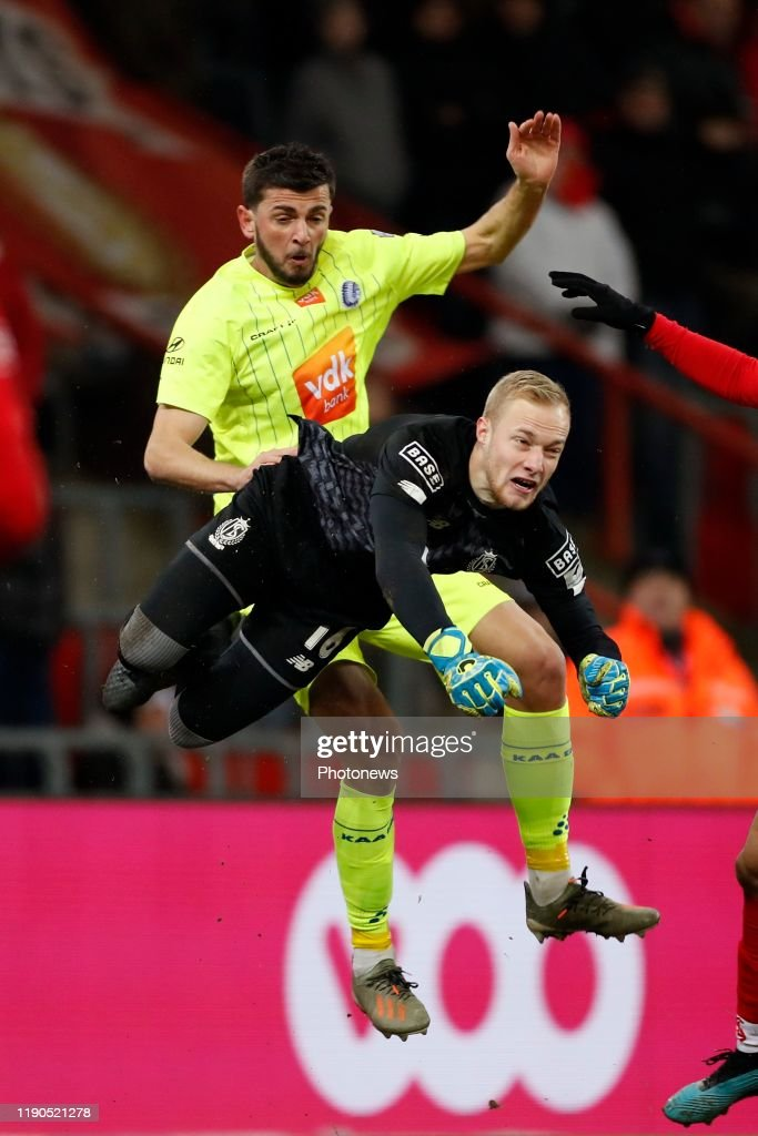 Arnaud Bodart Goalkeeper Of Standard Liege And Giorgi Kvilitaia News Photo Getty Images