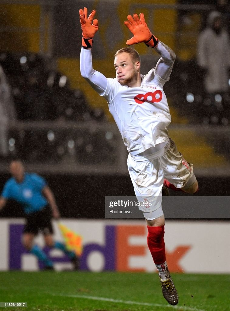 Arnaud Bodart Goalkeeper Of Standard Liege Pictured During UEFA News Photo Getty Images