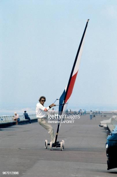 Arnaud de Rosnay fait du speedsail le 20 septembre 1980 au Touquet France