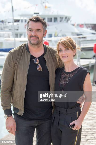 Arnaud Ducret et Alix Poisson attend Parents Modes D'Emploi Photocall during the 19th Festival of TV Fiction at La Rochelle on September 16 2017 in...