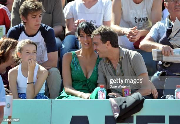 Arnaud LAGARDERE et son amie JADE FORET - - Roland Garros 2011. Photo: Dave Winter / Icon Sport.
