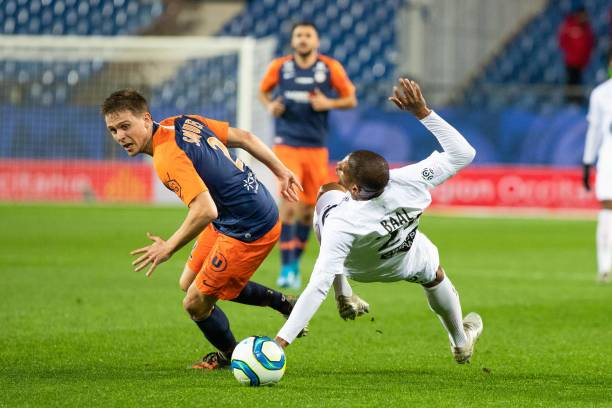 MHSC -EQUIPE DE MONTPELLIER -LIGUE1- 2019-2020 - Page 4 Arnaud-souquet-of-montpellier-and-ludovic-baal-of-brest-during-the-1-picture-id1189865935?k=6&m=1189865935&s=612x612&w=0&h=3Ym15lnwTqmBShzX-o8hHd4Lg2_54Z-BnXhdsIxQsgU=