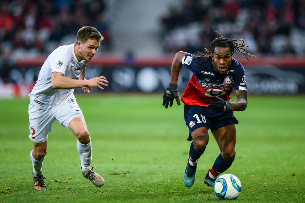 MHSC -EQUIPE DE MONTPELLIER -LIGUE1- 2019-2020 - Page 3 Arnaud-souquet-of-montpellier-and-renato-sanches-of-lille-during-the-picture-id1188346371?k=6&m=1188346371&s=612x612&w=0&h=xnNvbBVzabHgZoGnwWxS8HhrybEs92-7o_QTZzeUFho=