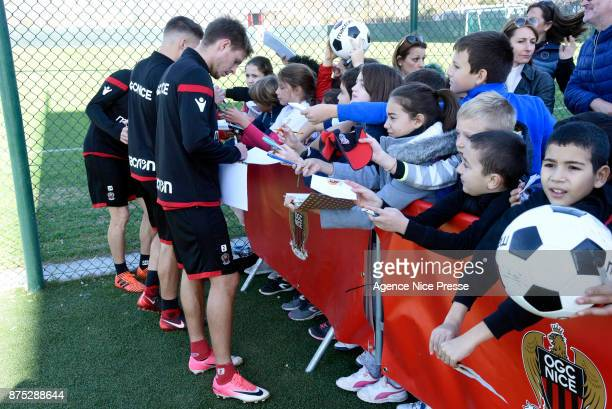 Arnaud Souquet of Nice with fans during Nice training session on November 17 2017 in Nice France