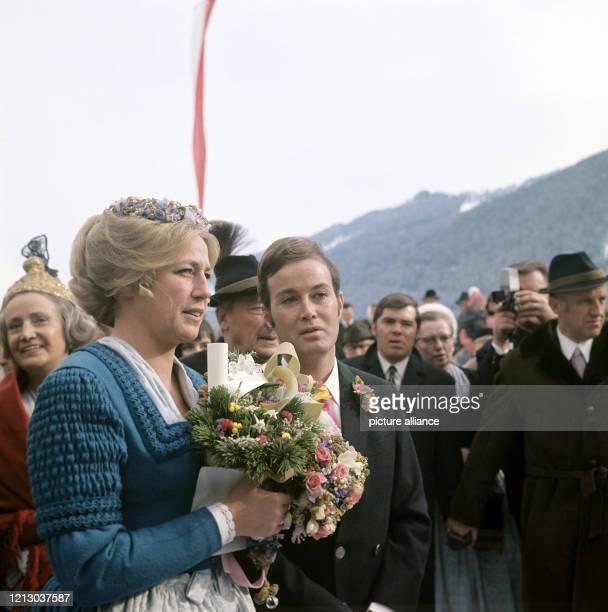 Arndt von Bohlen und Halbach , der Sohn des verstorbenen Großindustriellen Alfried Krupp von Bohlen und Halbach, mit seiner Frau, Prinzessin...