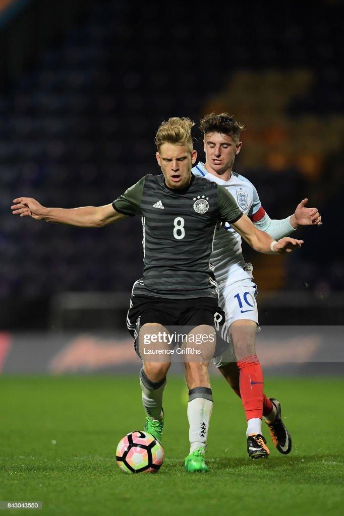 England U19 v Germany U19 - International Match : Nachrichtenfoto