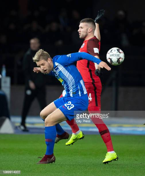 Arne Maier of Hertha BSC and Ante Rebic of Eintracht Frankfurt during the game between Hertha BSC and Eintracht Frankfurt at the Olympiastadium on...