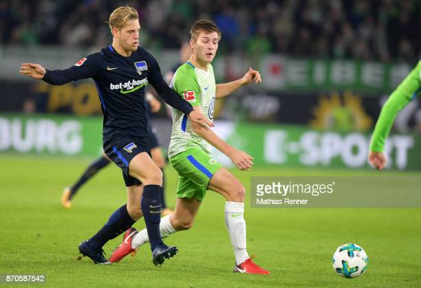 Arne Maier of Hertha BSC and Robin Knoche of VfL Wolfsburg during the game between VfL Wolfsburg and Hertha BSC on november 5 2017 in Wolfsburg...