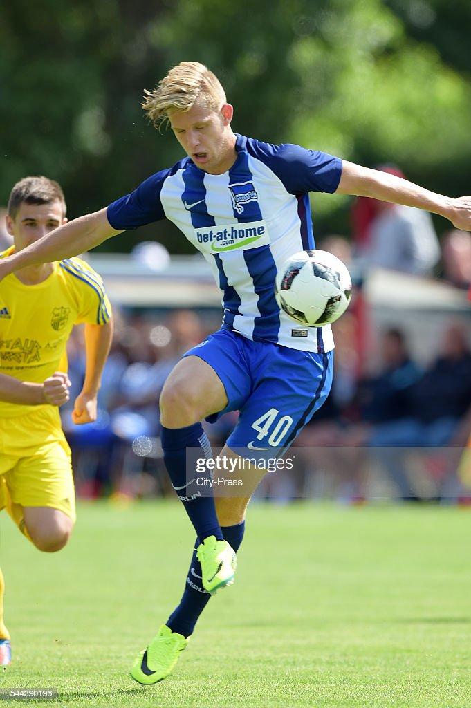 FC Schwedt 02 - Hertha BSC Berlin - training : Nachrichtenfoto