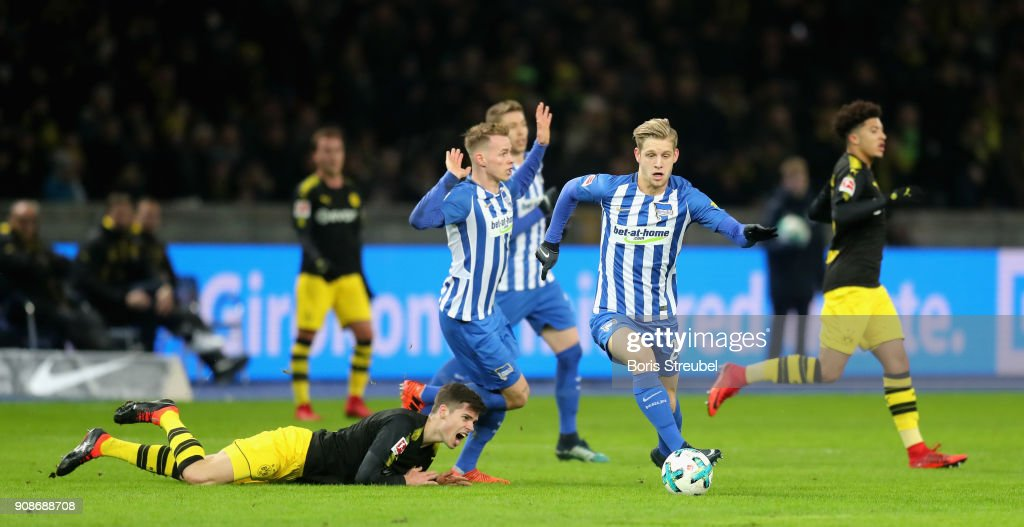 Hertha BSC v Borussia Dortmund - Bundesliga : Nachrichtenfoto
