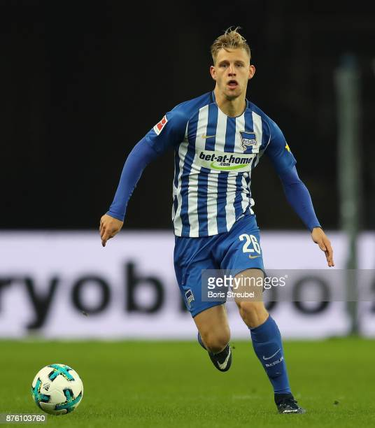 Arne Maier of Hertha BSC runs with the ball during the Bundesliga match between Hertha BSC and Borussia Moenchengladbach at Olympiastadion on...