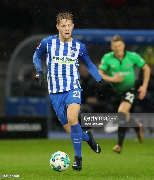 Arne Maier of Hertha BSC runs with the ball during the Bundesliga match between Hertha BSC and Hannover 96 at Olympiastadion on December 13 2017 in...