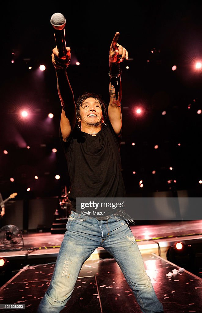 Journey Performs at Jones Beach With Special Guests Night Ranger and Foreigner : News Photo