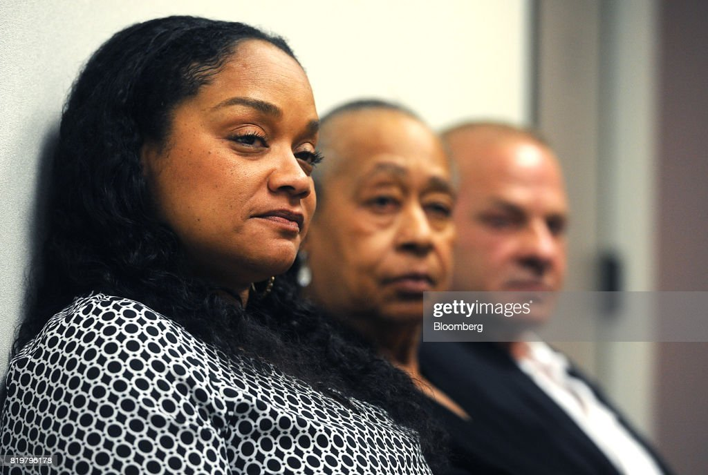 Arnelle Simpson, daughter of former professional football player O.J. Simpson, left, and Shirley Baker, sister of former professional football player O.J. Simpson, center, listen during his parole hearing at Lovelock Correctional Center in Lovelock, Nevada, U.S., on Thursday, July 20, 2017. Simpson has been granted parole nine years into a 33-year sentence and could be released as soon as Oct. 1. Photographer: Jason Bean/Pool via Bloomberg