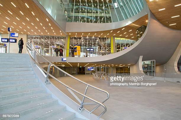 arnhem centraal station - matthijs borghgraef stockfoto's en -beelden