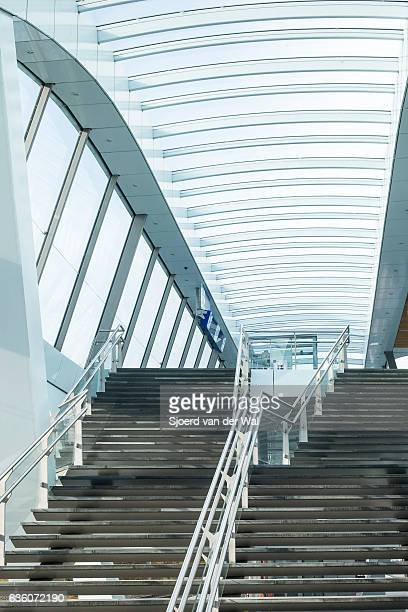 "arnhem central newly designed train station in the netherlands - ""sjoerd van der wal"" photos et images de collection"