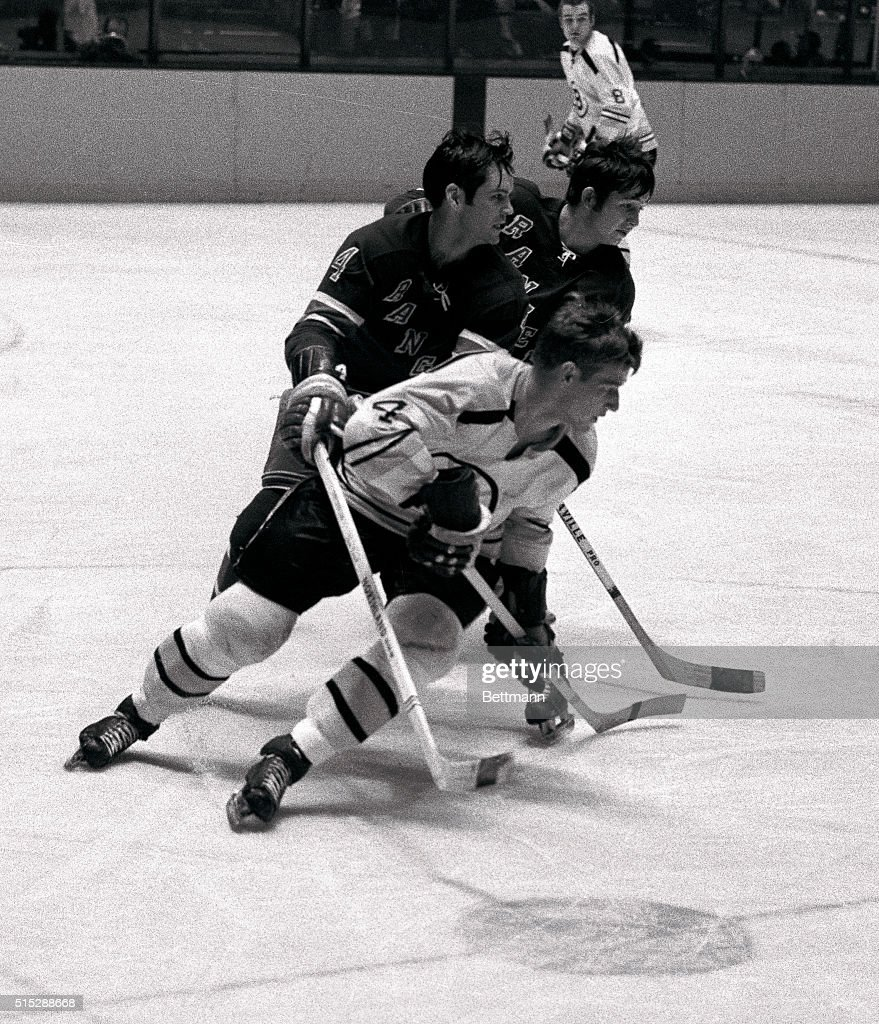 Bobby Orr in Hockey Action : News Photo