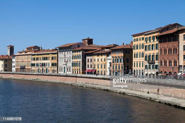 arno river in pisa - gwengoat stock pictures, royalty-free photos & images