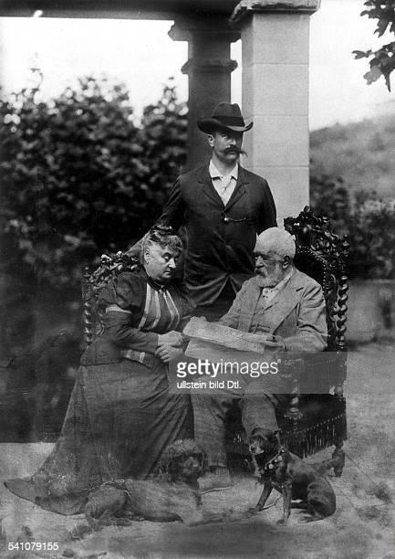 Arnold Böcklin*16101827Bildender Künstler Maler Bildhauer Schweizmit Ehefrau und Sohn Carlos auf der Terrasse seiner Villa in San Domenico bei...