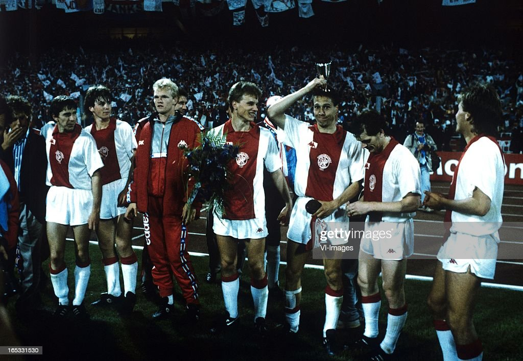 Europa Cup Final - Ajax v Lokomotive Leipzig : News Photo