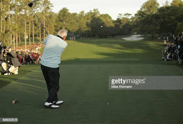 Arnold Palmer hits the ceremonial first tee shot to start the 2007 Masters Tournament at Augusta National Golf Club in Augusta, Georgia on April 5,...