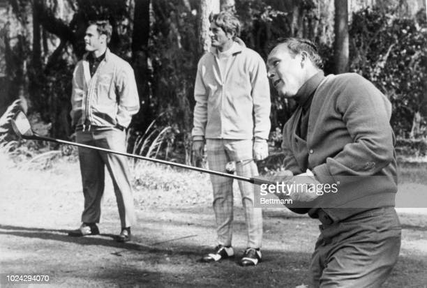Arnold Palmer matched par wile Boston Red Sox slugger Ken Harrelson , a Savannah native, was one over for nine holes. Palmer disturbed a year-end...