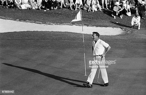 Arnold Palmer on the 18th green during the 1962 Masters Tournament at Augusta National Golf Club in April 1962 in Augusta Georgia