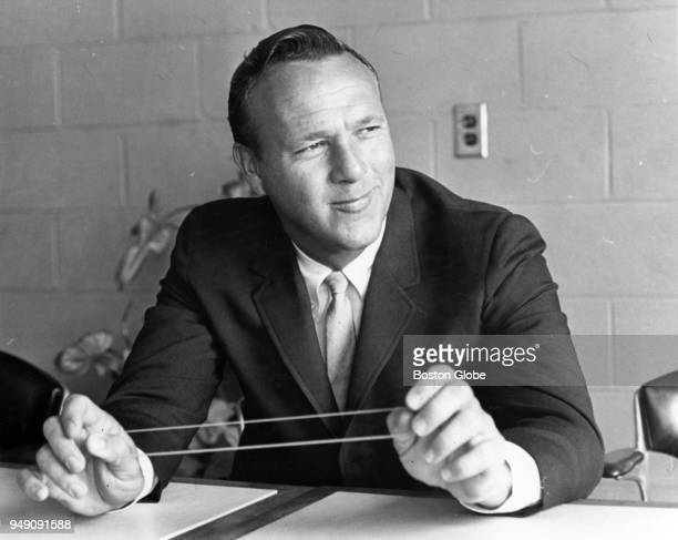 Arnold Palmer plays with a rubber band during an exhibition for the benefit of the Norfolk Chapter of the Mass Hear Assn in Sharon Mass May 25 1965