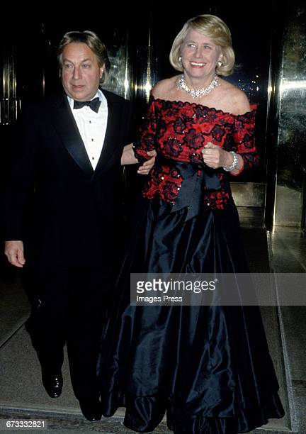 Arnold Scaasi and Liz Smith attend the 1992 Metropolitan Museum of Art's Costume Institute Gala circa 1992 in New York City