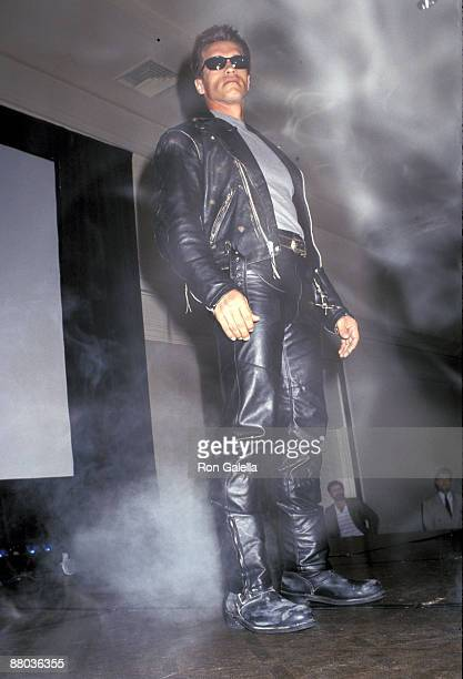 Arnold Schwarzenegger at Creation Convention presents Terminator 2 Judgment Day Los Angeles CA 06/30/91
