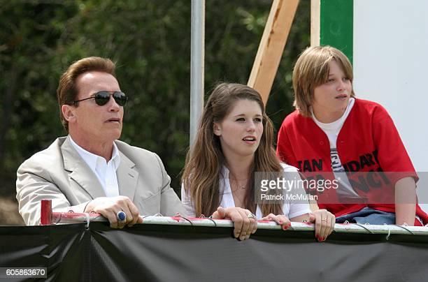 Arnold Schwarznegger Christina Maria Aurelia Schwarznegger and Patrick Schwarznegger attend Revolution Studios and Columbia Pictures Premiere of The...