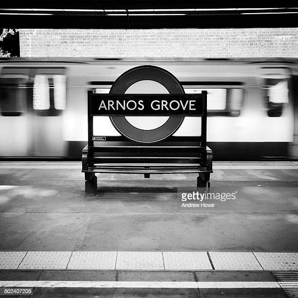 CONTENT] Arnos Grove London Underground Station on London Transport's Piccadilly Line The Station was designed by Charles Holden and has many Art...