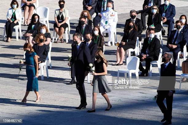 Aroa López nurse at the Vall d'Hebron hospital in Barcelona King Felipe VI of Spain Crown Princess Leonor of Spain and Hernando Fernández Calleja lay...