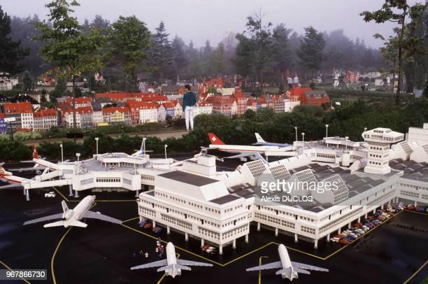 Aérogare et avions realisés en LEGO le 28 août 1988 à Billund Danemark