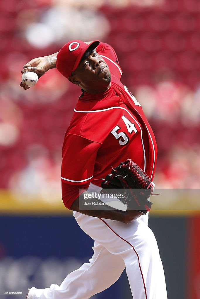 Aroldis Chapman #54 of the Cincinnati Reds pitches in the ninth inning of the game against the Chicago Cubs at Great American Ball Park on July 8, 2014 in Cincinnati, Ohio. The Reds won 4-2.