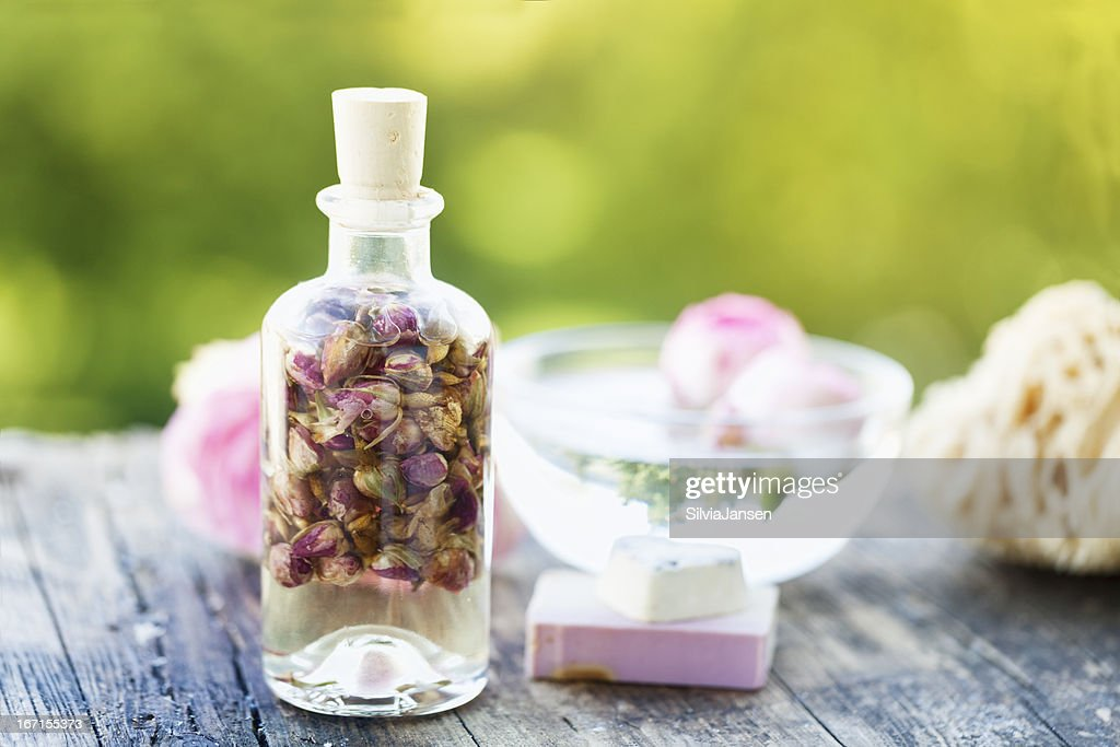 aromatherapy scent of roses massage oil : Stock Photo