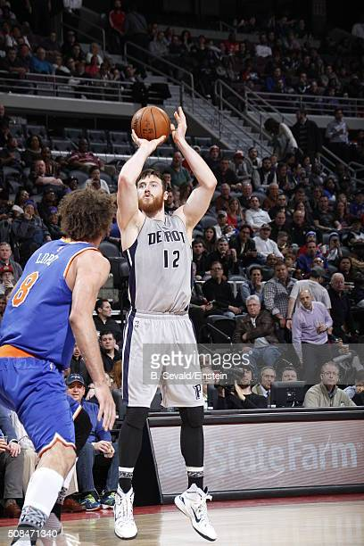 Aron Baynes of the Detroit Pistons shoots the ball against the New York Knicks on February 4 2016 at The Palace of Auburn Hills in Auburn Hills...
