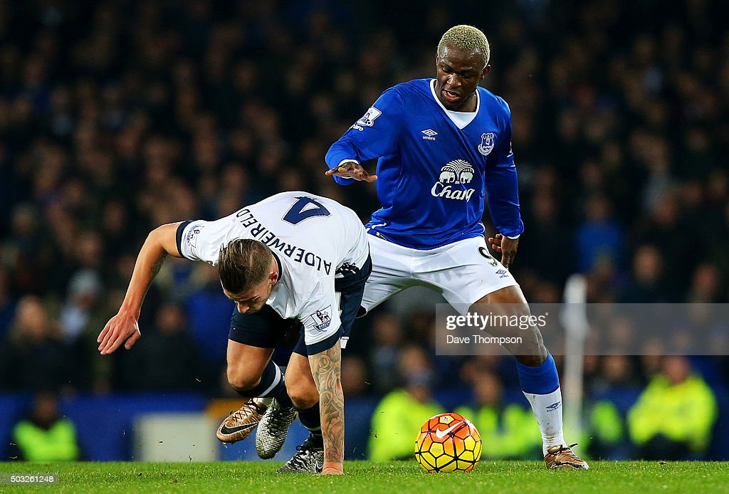 Arouna Kone of Everton battles for the ball with Toby Alderweireld of Tottenham Hotspur during the Barclays Premier League match between Everton and Tottenham Hotspur at Goodison Park on January 3, 2016 in Liverpool, England.