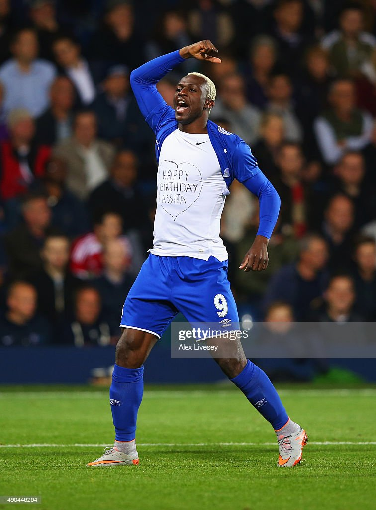 Arouna Kone of Everton celebrates as he scores their second and equalising goal during the Barclays Premier League match between West Bromwich Albion and Everton at The Hawthorns on September 28, 2015 in West Bromwich, United Kingdom.